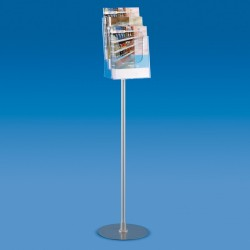 Expositor com suportes para folhetos